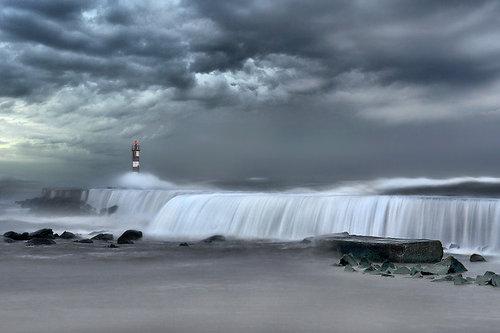 Sea invasion by Nuno Milheiro
