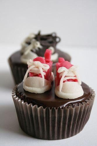 tiny sneaker cupcakes