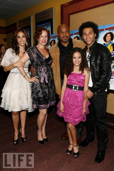 Madison Pettis and family