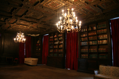library at Alder Manor NY