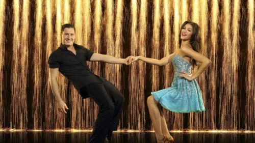 zendaya_coleman_zendaya_and_val_dwts_season_16_cast_first_look_WoVb4RGt.sized