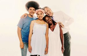 huddle_de_blasio_family_nym_img